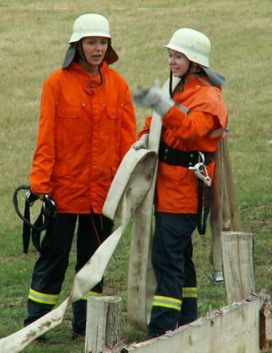 Mädchen bei der Feuerwehr